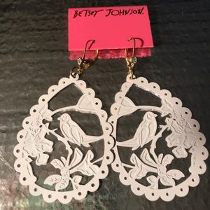White bird silhouette cut Betsey Johnson earrings